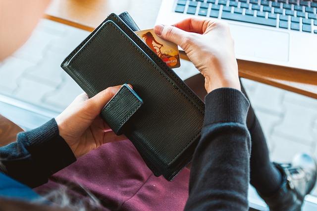 Kelebihan Sistem Pembayaran Non Tunai